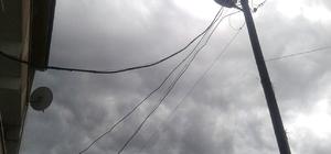 Elektrik direğine yıldırım düştü
