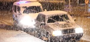 Karaman'a Mart ayında lapa lapa kar yağdı