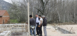Başkan Duymuş, beldede faaliyet gösterecek bir işletmeyi ziyaret etti