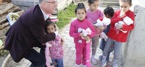 Başkan Duymuş'tan Suriyeli aileyi ziyaret