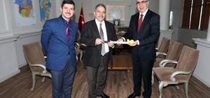 Hokey temsilcilerinden Mustafa Yalçın'a ziyaret