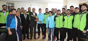 Başkan Bedirhanoğlu sporcuları ağırladı