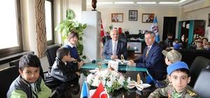 Öğrencilerden Başkan Başsoy'a ziyaret