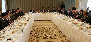 Ahmet Davutoğlu, STK temsilcileriyle bir araya geldi