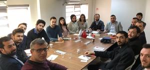 Genç girişimciler Temel Muhasebe Atölyesi'nde bilgileniyor