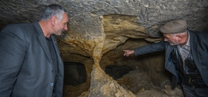 Binlerce yıllık yeraltı yerleşim yerini defineciler tahrip etti