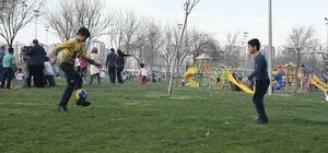 Diyarbakırlılar piknik alanlarını doldurdu