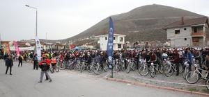 Yüzlerce bisikletli Çanakkale için pedal çevirdi
