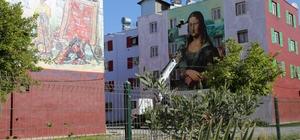 'Mona Lisa' Mersin'deki konutların duvarını süslüyor
