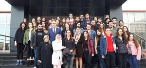 Üniversite öğrencileri projelerini Kaymakam Kılıç ile paylaştı