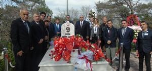 Koca Seyit Havalimanı personeli Koca Seyit'in mezarını ziyaret etti