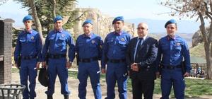 Elazığ'da Jandarma, yazlık kıyafetlerini giydi