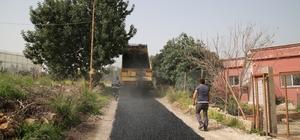 Erdemli Belediyesi, asfalt ve yol çalışmalarını sürdürüyor