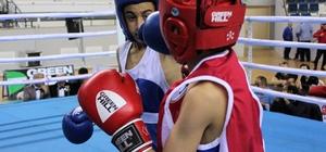 Üst Minikler Türkiye Boks Şampiyonası Mersin'de başladı