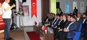 Ayvalık'taki konferansında Fatih Akbaba, Mehmet Akif'i yeniden tanımladı