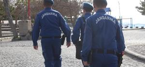 Jandarma ekipleri yeni yazlık kıyafetlerini giydi