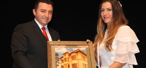 'Çanakkale Mahşeri Kardeşlik Destanı' adlı tiyatro oyunu ilgi ile izlendi