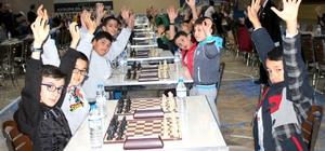 Kardelen Koleji 'Şehitleri Anma' Satranç Turnuvası büyük ilgi gördü