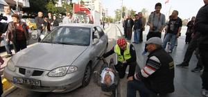 Otomobil tramvay yoluna girdi: 1 yaralı