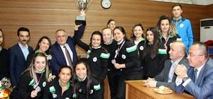 Avrupa şampiyonu hokey takımı, ülke cezası nedeniyle bir üst klasmanda mücadele edemeyecek
