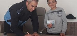 Selendi'de ortaokul öğrencisinden örnek davranış