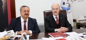 """Kafaoğlu"""" Öznemiz Burhaniye, sığ siyasi görüşleri aşmamız lazım"""" dedi"""