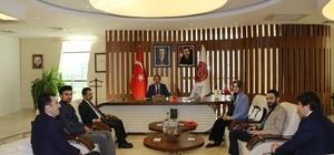 Rektör Bağlı, II. Abdülhamid Han'ın torunu Osmanoğlu'nu makamında ağırladı