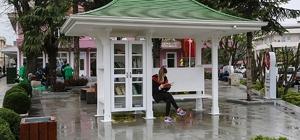 Sapanca Belediyesinden parklara kütüphane
