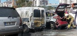 Park halindeki üç araç yandı