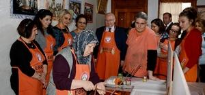 Kanseri yendiler, Ebru Sanatı ile yaşama tutundular