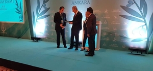 Dr. Albayrak, Erzurum il birinciliği ödülünü aldı