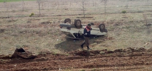 Konya'da otomobil meyve bahçesine devrildi: 5 yaralı