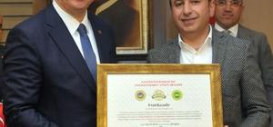 Tescillenen Antep baklavaları için logo ve marka kullanım sertifikası