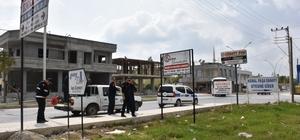 Tarsus'ta uygunsuz konulan pano ve levhalar kaldırıldı