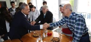 Başkan Uysal'dan Yaşlılar Haftası'nda anlamlı ziyaret