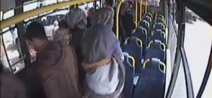 Yolcularla birlikle bebeği hastaneye taşıdı
