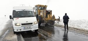 Ardahan'da martta yağan kar ulaşımı aksattı