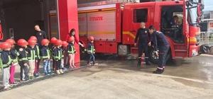 Minik öğrenciler yangın eğitimi aldı.
