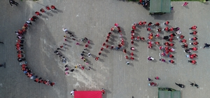 Öğrencilerden Ayyıldızlı Afrin mesajı