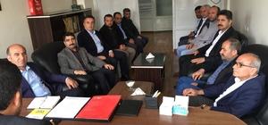 Başkan Deniz siyasi parti başkanlarıyla bir araya geldi