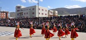 Muş'ta renkli nevruz kutlaması