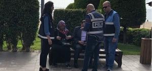 Alanya'da polis parklarda denetimlerini sürdürüyor