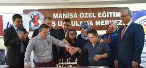 Başkan Çerçi özel öğrencilerle birlikte deney yaptı
