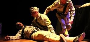 '1315 Tevellüd' adlı tiyatro oyunu izleyicilerle buluştu