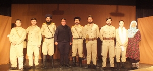 Malazgirt'te duygulandıran tiyatro gösterimi