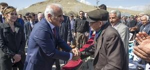 Cumhurbaşkanı Erdoğan'ın canlı bağlandığı törenle fidan dikimi yapıldı