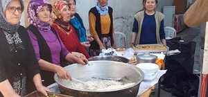 Mutlu köylülerden Mehmetçik Vakfı'na bağış