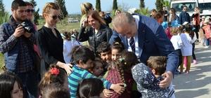 Başkan Atabay, öğrencilerle fidan dikti