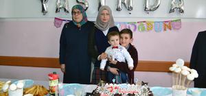 Öğrencilerden Akın bebeğe sürpriz doğum günü