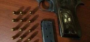 Jandarma devriyesinde ruhsatsız tabancalar ele geçirildi